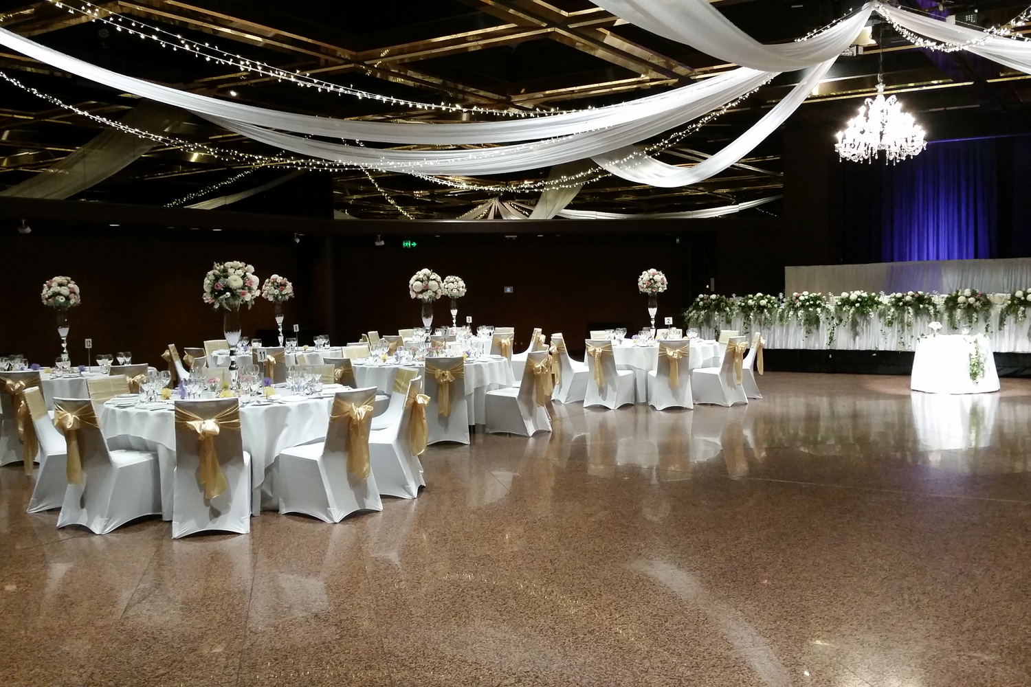 Adelaide wedding decoration hire carrie and michael junglespirit Gallery