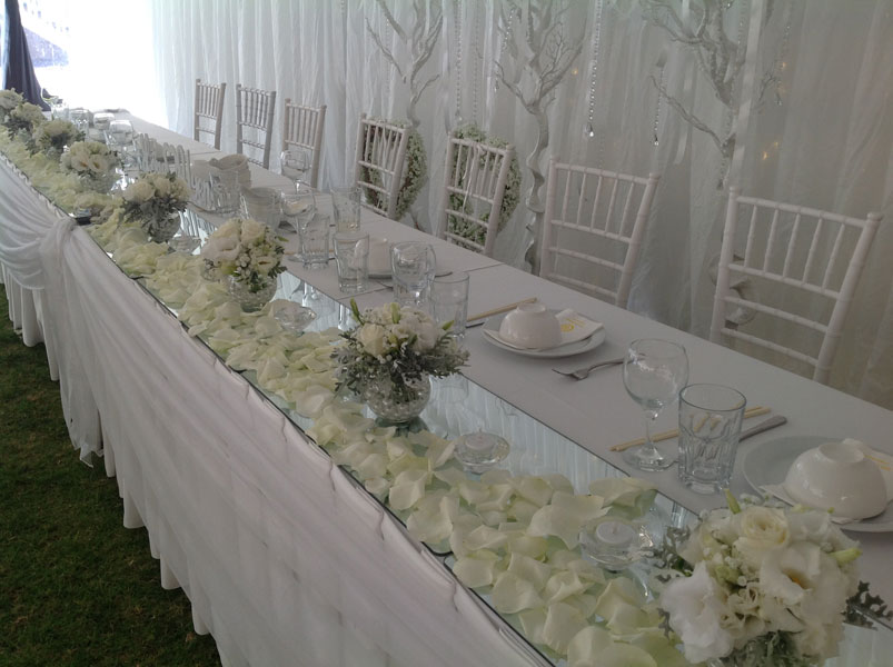 white bridal table